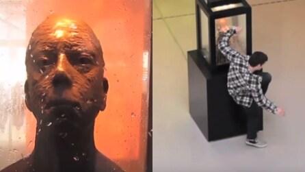 """""""Attenzione, non guardare la statua negli occhi"""": ecco cosa succede a chi lo fa"""