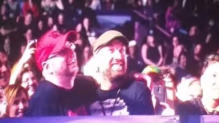 """""""Chad ti amo, vuoi sposarmi?"""", Madonna """"benedice"""" la coppia gay durante il concerto"""