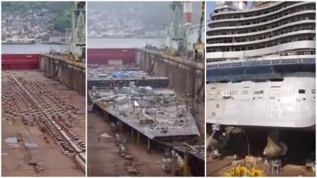 La costruzione della gigantesca nave da crociera in pochi minuti
