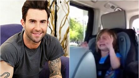 """""""Adam Levine si è sposato!"""": la reazione della bambina è disperata"""