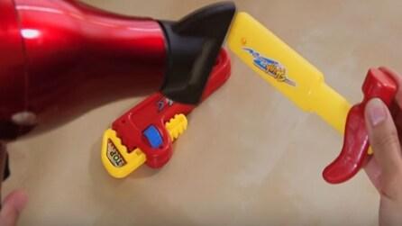 Riscalda il giocattolo con il phon: il trucco geniale