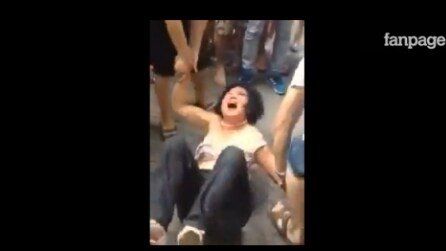 Donna picchiata pubblicamente: si era macchiata di un gravissimo crimine