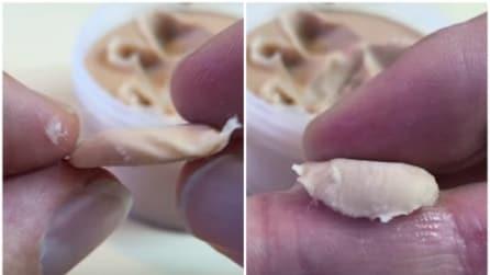 Mette una strana pasta attorno al dito: il risultato è impressionante