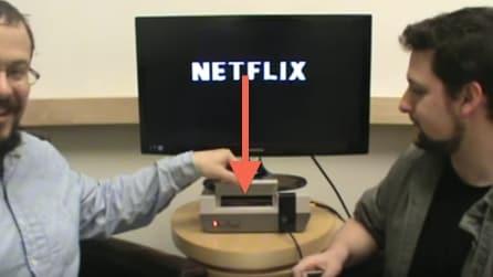 Collegano la vecchia Nintendo a internet e quello che riescono a fare vi lascerà di stucco