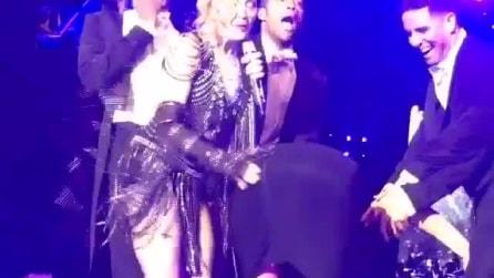 Madonna e le sculacciate a Katy Perry sul palco