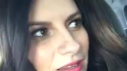 Laura Pausini canta alcune canzoni del prossimo album