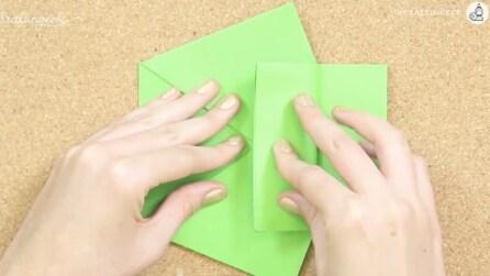 Piega il cartoncino in questo modo: la creazione è incredibile