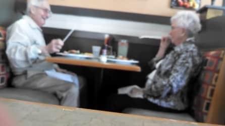 L'amore non ha età: la coppia di anziani più romantica di sempre