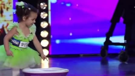 Ha solo 4 anni, ma conquista i giudici con i suoi bellissimi numeri