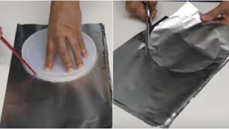 Traccia una linea sulla carta alluminio: ecco cosa realizza