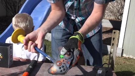 Vi siete mai chiesti cosa c'è dentro un joystick della Xbox?