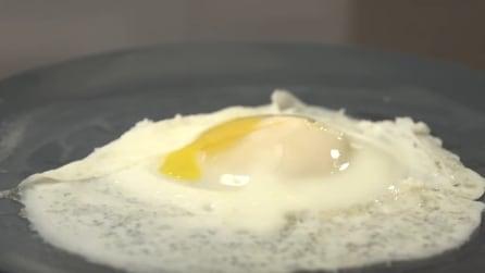 I tre modi per cuocere un uovo al fornetto a microonde