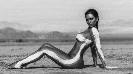 Nuda e magra nel deserto: Kim Kardashian super sexy su Instagram