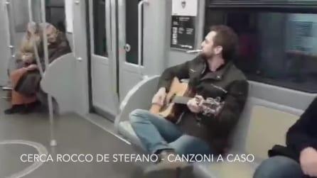 Mi sono messo a suonare nella metro di Milano e vedete cosa succede