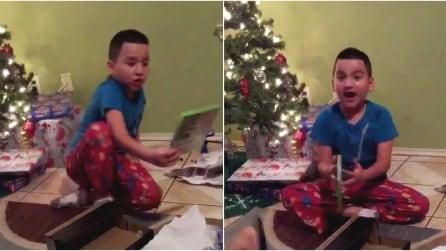 Riceve per Natale il regalo sbagliato: la reazione furiosa del bambino