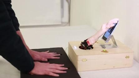 Poggia le mani su quel tappeto ed il robot ti troverà l'amore, su Tinder