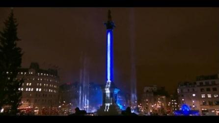 Star Wars, la Disney trasforma la Colonna di Nelson a Trafalgar Square in una spada laser
