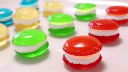 Come realizzare delle caramelle gommose a forma di macaron
