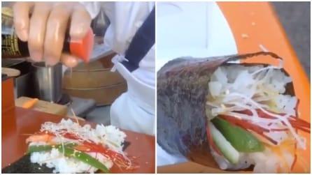 Masaaki Koyoma è il re del sushi: prepara la sua famosa pietanza