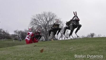 Le inquietanti renne robot di Babbo Natale: dov'è finita la testa?
