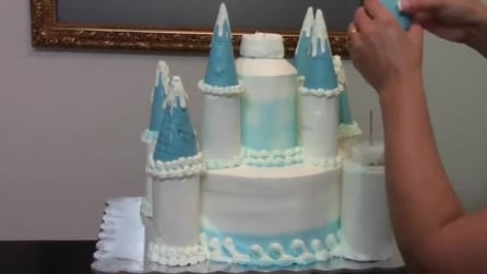 Come preparare la torta di Frozen a forma di castello