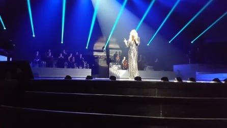 """Celine Dion canta """"Hello"""" di Adele: un'esibizione spettacolare"""