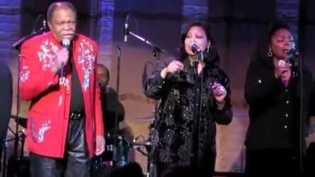 Otis Clay canta 'I Can Take You To Heaven Tonight'
