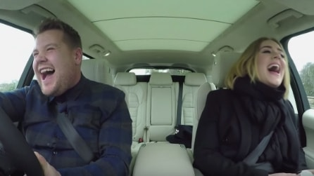 Adele canta a squarciagola in auto: il video del karaoke diventa virale