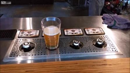 Il modo più ingegnoso per versare la birra