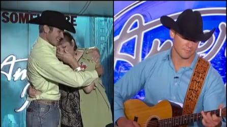 Sua madre muore di cancro, lui torna ad American Idol e commuove tutti