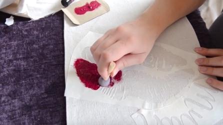 Come decorare una stoffa per San Valentino