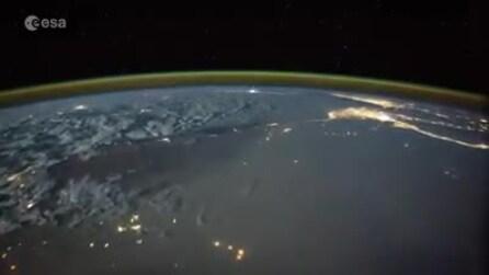 """""""Così un fulmine colpisce il nostro pianeta"""", le immagini straordinarie dalla Iss"""