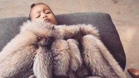 """""""Niente fotografie"""", la figlia di Kim Kardashian vuole privacy e si oppone"""