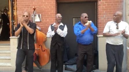 Iniziano a cantare e in pochi istanti vi faranno venire voglia di ballare