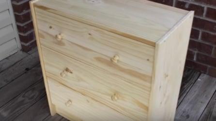 Compra un semplice mobiletto e lo trasforma in modo unico
