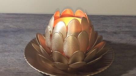 Come realizzare un portacandele con dei cucchiai di plastica