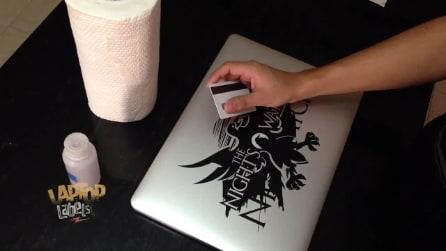 Come rimuovere adesivi e sticker dal laptop