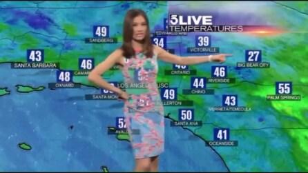 """La meteorina """"invisibile"""", la scelta del vestito è decisamente sbagliata"""