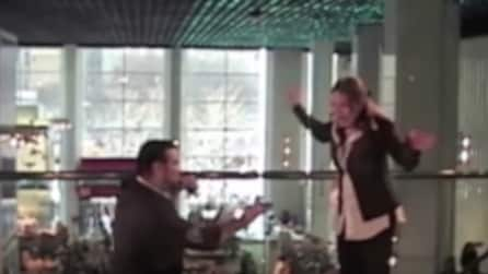 Il marito le chiede di sposarlo: la reazione di lei è da non credere