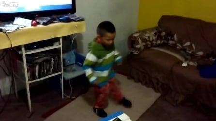 Ha solo 5 anni ma il suo ritmo ti conquisterà