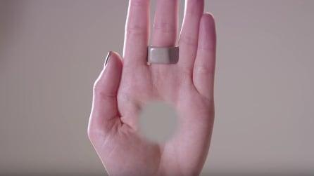Vedete un buco nella mano sinistra? Sbagliato! Ecco come realizzare l'illusione ottica
