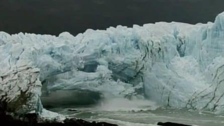 Il ghiacciaio si scioglie in pochi secondi: immagini apocalittiche in Argentina