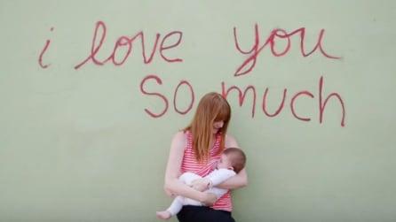 Viene critica perché allatta in pubblico: ecco cosa decide di fare la mamma