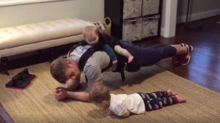 Un papà speciale: ecco come riesce ad allenarsi