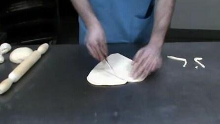 Un vero artista del pane: intaglia l'impasto e quello che crea è una meraviglia