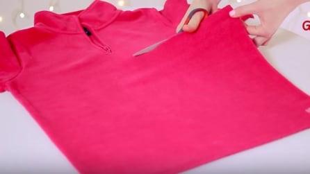 Ritaglia una vecchia maglia e la trasforma in modo unico