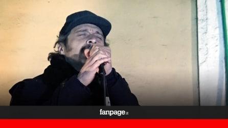 """Claudio Santamaria e Luca Marinelli cantano """"Jeeg Robot"""""""