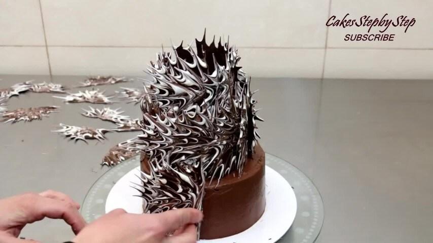Decorazioni Torte Cinesi : La decorazione con il cioccolato creativa per le torte
