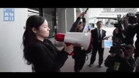 Il megafono che traduce istantaneamente la frase in 3 lingue diverse