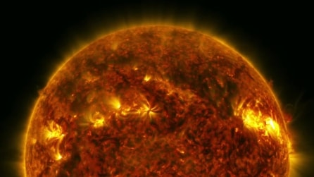Il sole come non l'avete mai visto prima: straordinaria eruzione in 4K